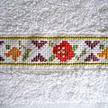 serviette à main orange dominante, fleurs 1