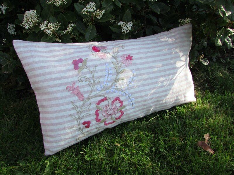 coussin-broderie-traditionnelle