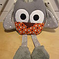 doudou_hibou_gris_orange__toil_