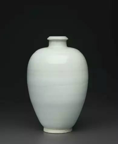 A rare Qingbai meiping, Northern Song dynasty (AD 960-1127)