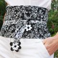 ceinture OBI fond noir fleurie blanc