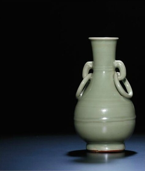 A rare Longquan celadon pear-shaped vase, Yuan dynasty, 14th century