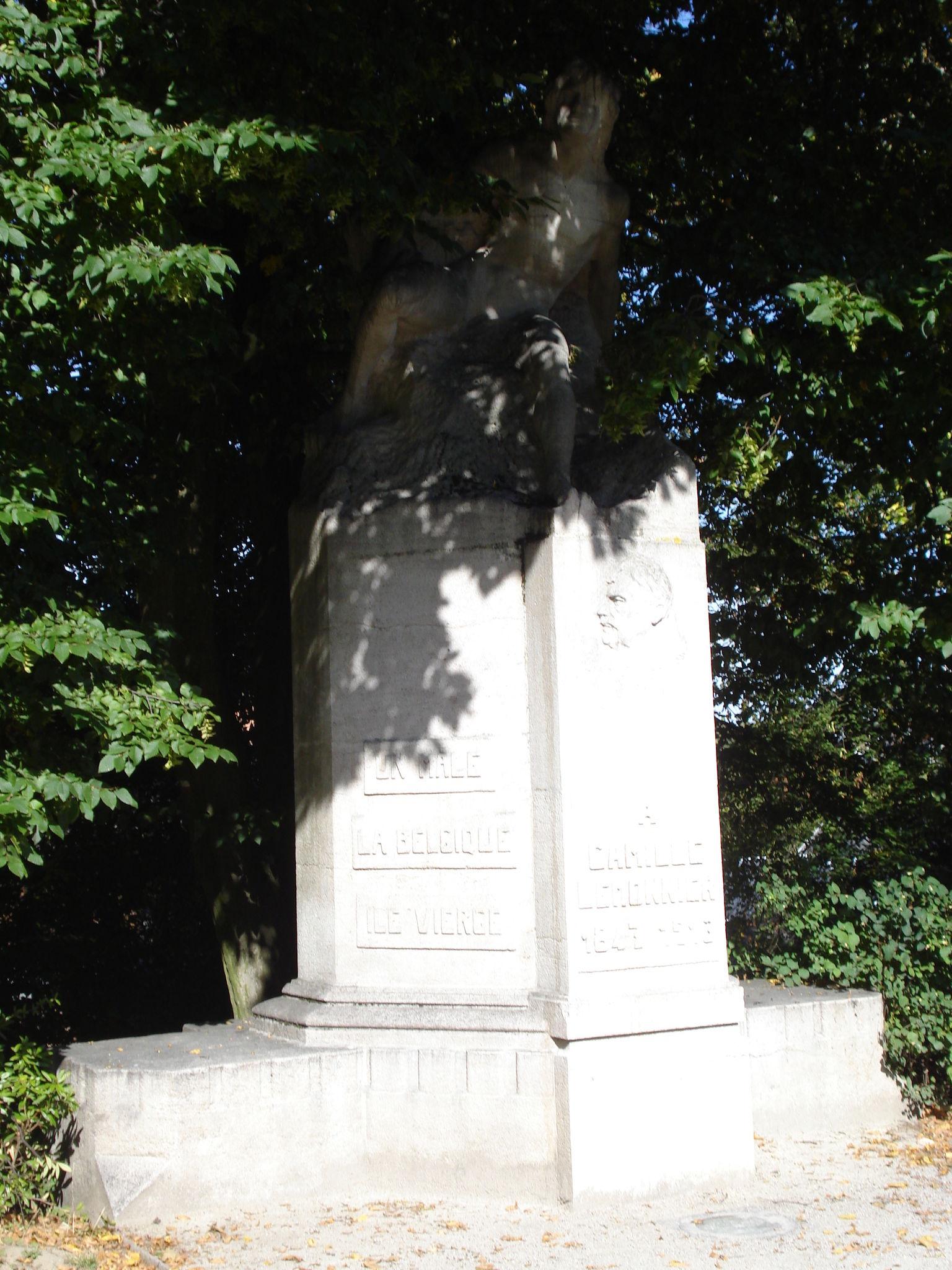 statue à camille lemonnier