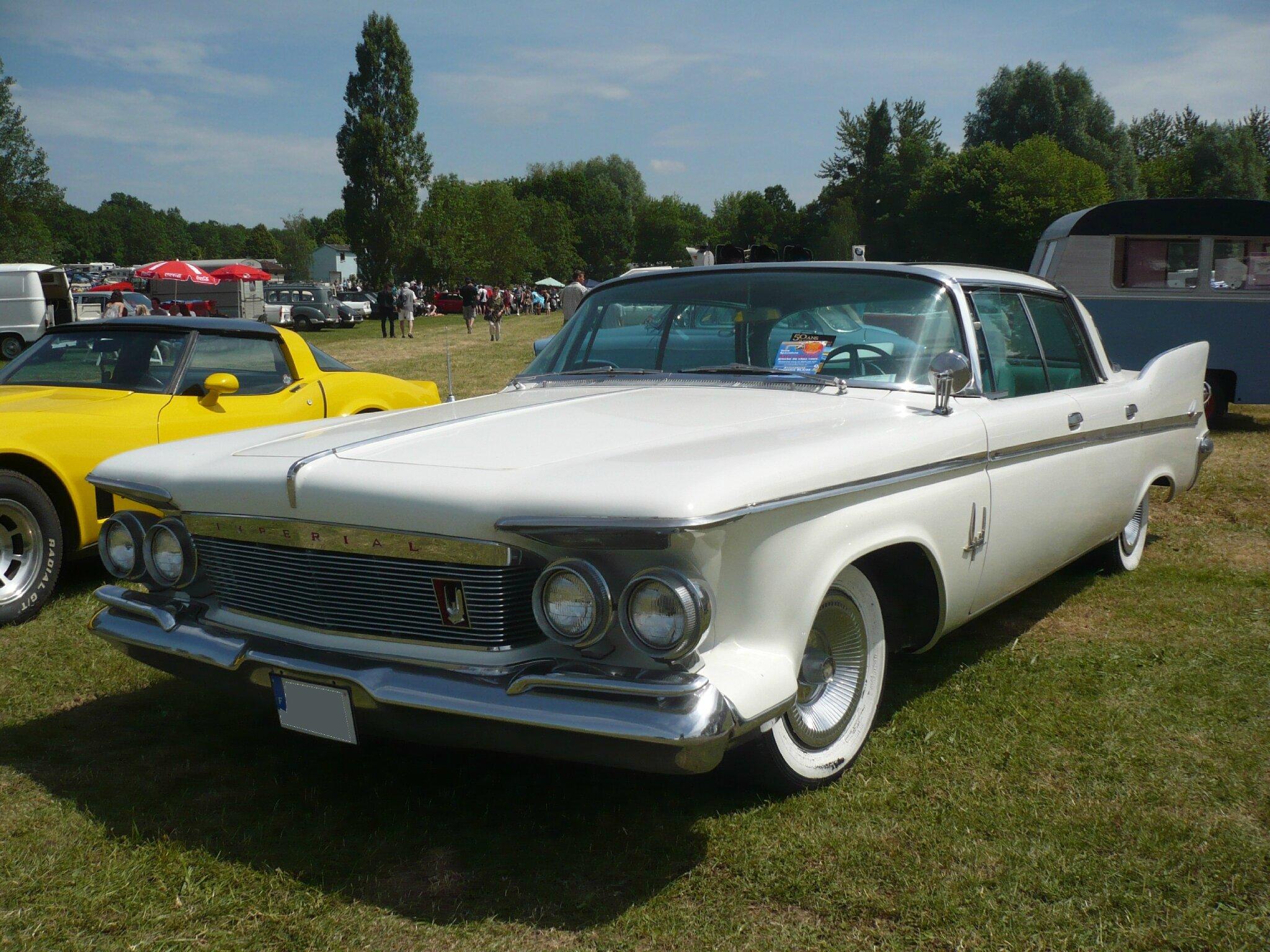IMPERIAL Crown Southampton 4door hardtop sedan 1961 Madine (1)