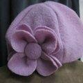 Chapeau AGATHE en laine bouillie roseparme et sa fleur assortie (4)