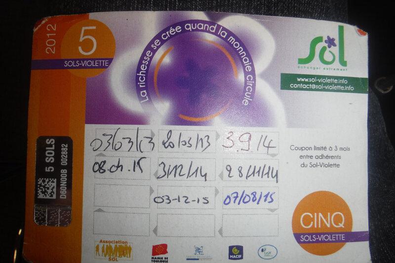 24, sol violette côté pile