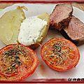 Côte de boeuf grillee au bbq, pomme de terre sous la cendre et tomates provencales