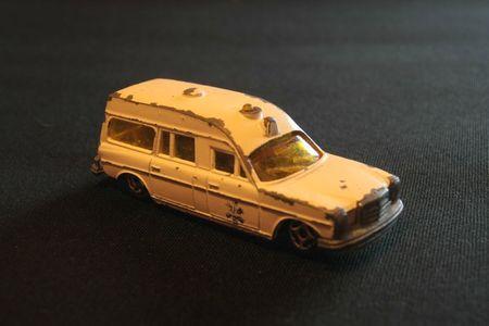 410_Mercedes-Benz Ambulance_02