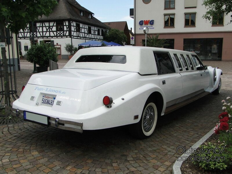 excalibur-stretch-limousine-3
