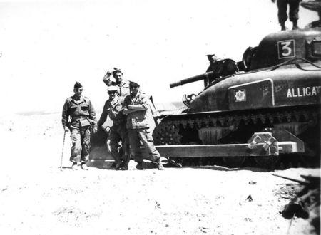 12_RCA_DEVIGE_Sherman_mut__au_4_me_escadron