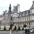 Hôtel de Ville - Arrivée des 3 premiers chars de Leclerc
