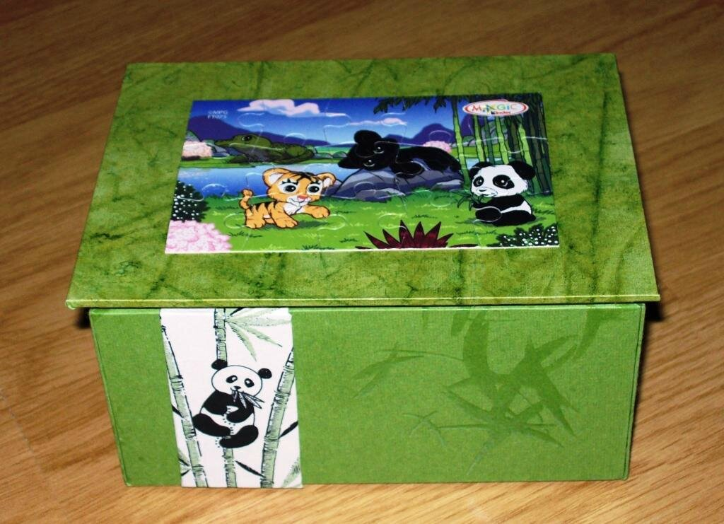 Boite puzzle kinder panda 3 b