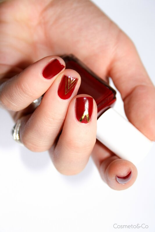 nail art Essie Bordeaux stickers triangle BornPretty-5