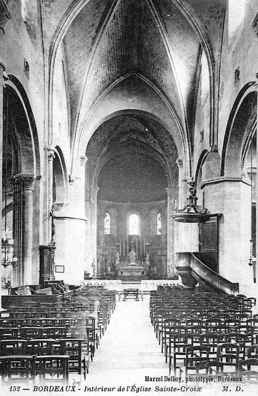 Eglise Ste Croix, intérieur