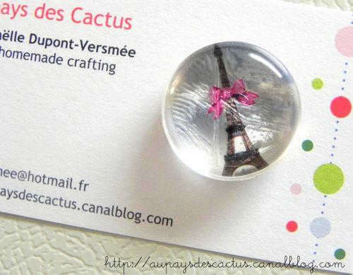 Magnet tour Eiffel ruban rose Au pays des Cactus