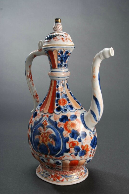 Chinese Imari ewer for the Persian market, China, Kangxi Period (1662-1722). Photo courtesy Vanderven Oriental Art.