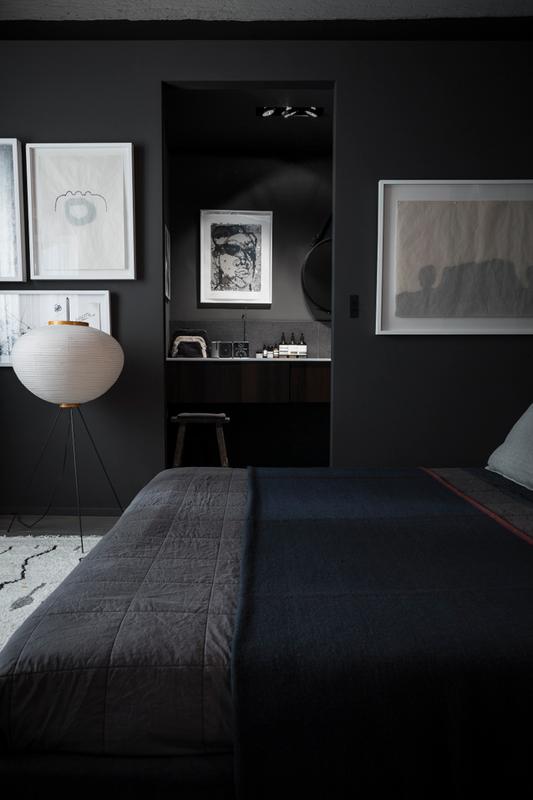 79ideas_dark_bedroom