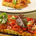 Pizza rouge anti-gaspi avec du pain rassis