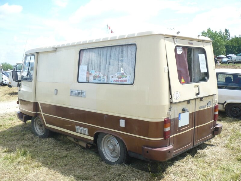 PEUGEOT J9 Knuffel camping car 1982 Madine (2)