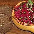 Houmous de betterave rouge aux graines de courge