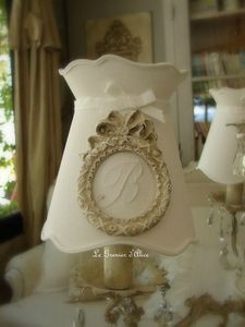 Abat jour forme gustavien diametre 12 lustre applique ornement noeud patiné monogramme decoration de charme shabby chic gf