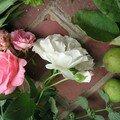 Préparation (roses, nigelles, menthe citronnée)