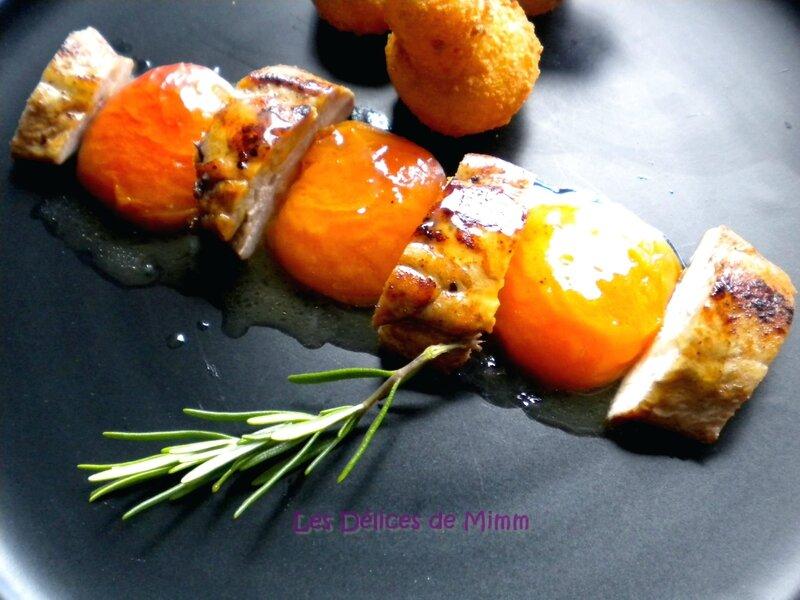Filets de pintade, abricots caramélisés au miel et romarin 3