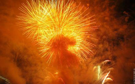 feu-d-artifice-orange