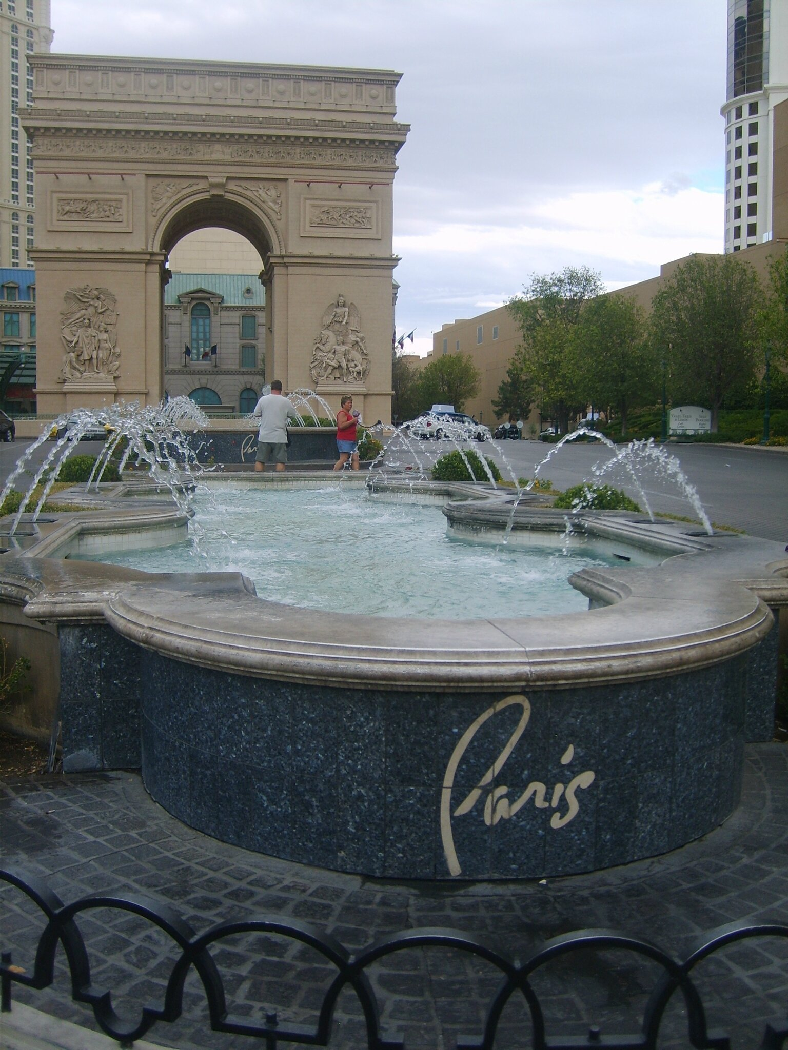 Le Paris (2)