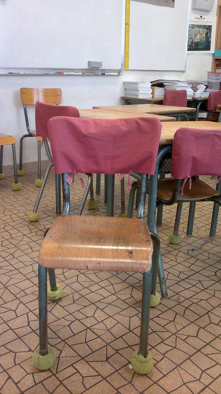 Photos des chaises de classe enfin terminées