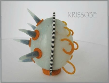 06-krissobe2
