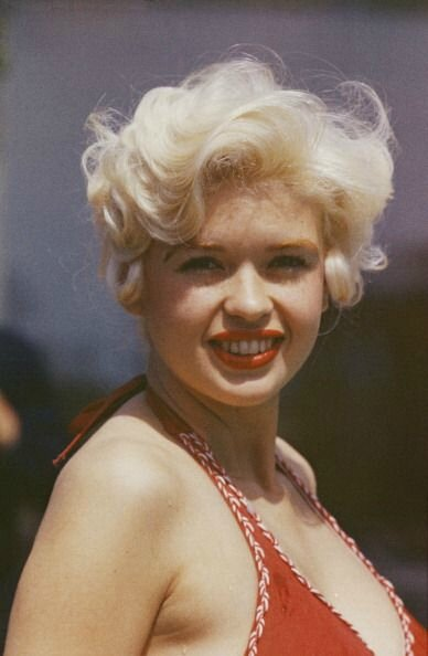 jayne_bikini_red-1958-05-cannes-by_philippe_le_tellier-02-2