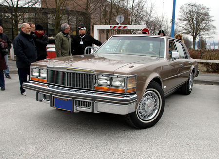 Cadillac_seville_4door_sedan_de_1978__23_me_Salon_Champenois_du_v_hicule_de_collection__01