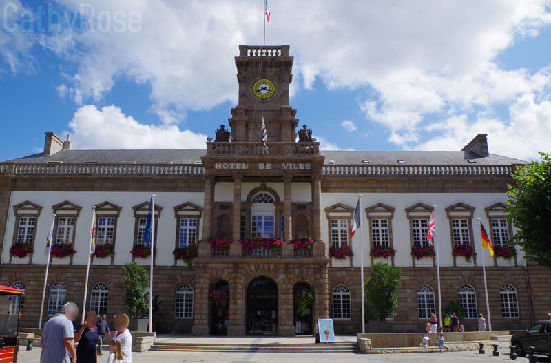 && Hôtel de Ville