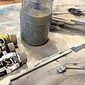 Deagostini MF 375 Etape suivante: je passe un lavis gris/jaune ocre sur toute la surface (la surface déjà peinte bien évidement, c'est à dire dessous et côtés intérieurs!)