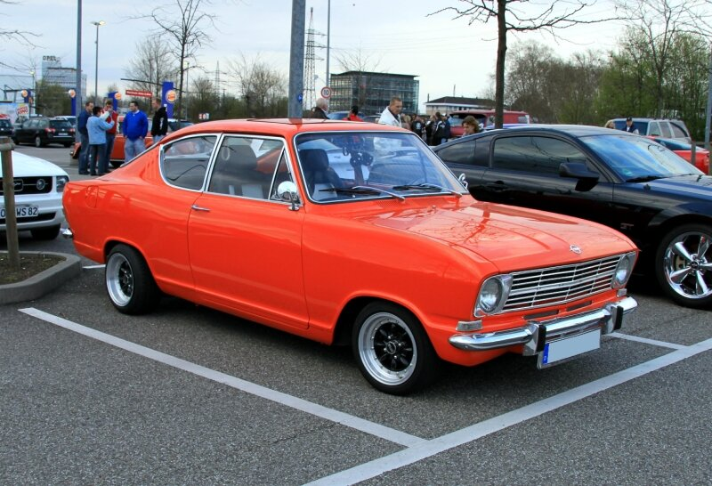 Opel kadett type B super (Rencard du Burger King avril 2010) 01