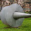 Sculpture hommages aux pionniers de l'Aéropostale