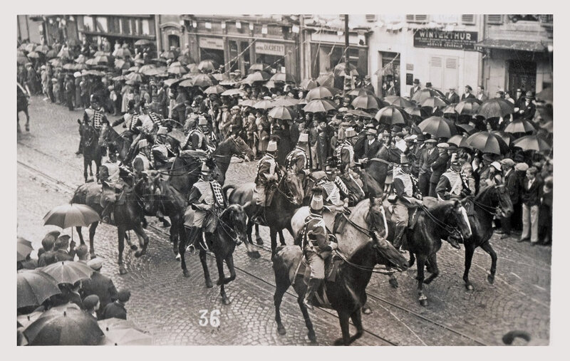 1922 03 26 Belfort CPhoto 36 Mi carême Hussards Fbg Ancêtres BF