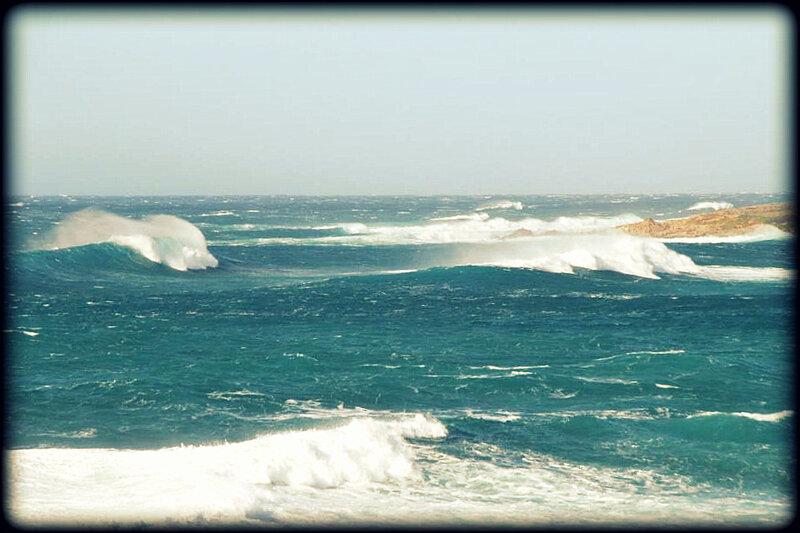 CORSICA_WAVES_