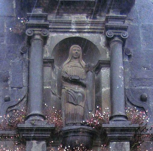 20_Daoulas_chapelle Ste Anne_statue Ste Anne