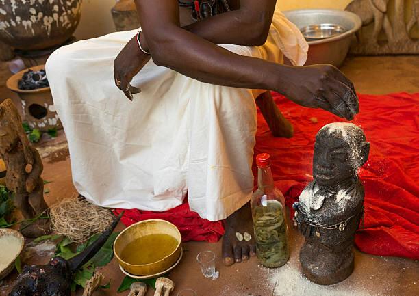 GRAND MAÎTRE MARABOUT AFRICAIN PROFESSEUR SIDI PUISSANT ET SERIEUX VOYANT A L' INTERNATIONAL