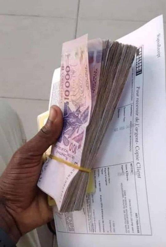 Témoignage de Michel sur la multiplication d'argent fait par le Grand maître marabout GILBERT du Bénin