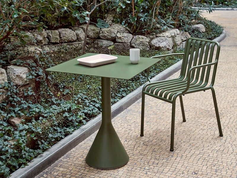 hay-palissade-cone-table-square-lifestyle-1