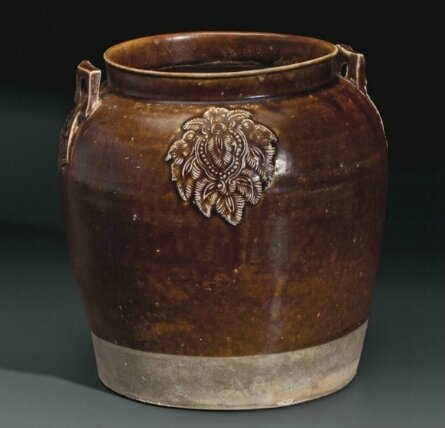 A Changsha brown-glazed jar, China, Tang dynasty, 9th century