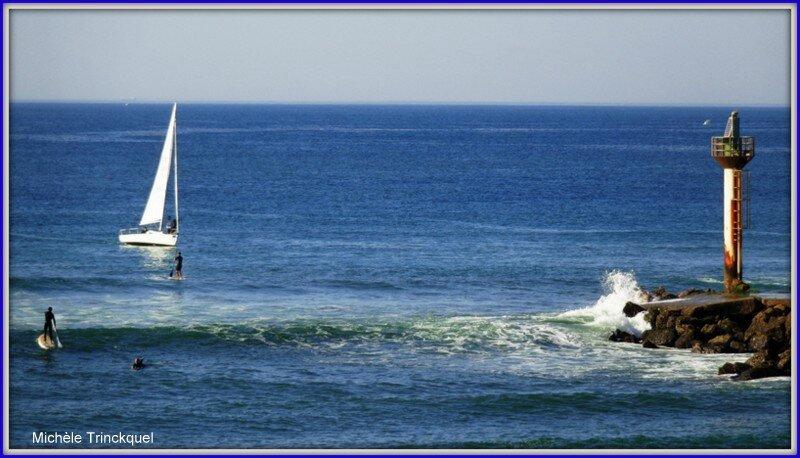 Capbreton voilier et surfeurs 2