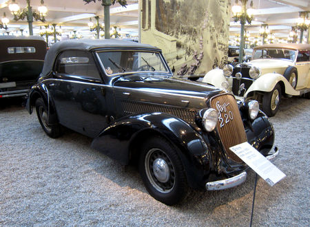 Steyr_220_cabriolet_de_1938__Cit__de_l_Automobile_Collection_Schlumpf___Mulhouse__01