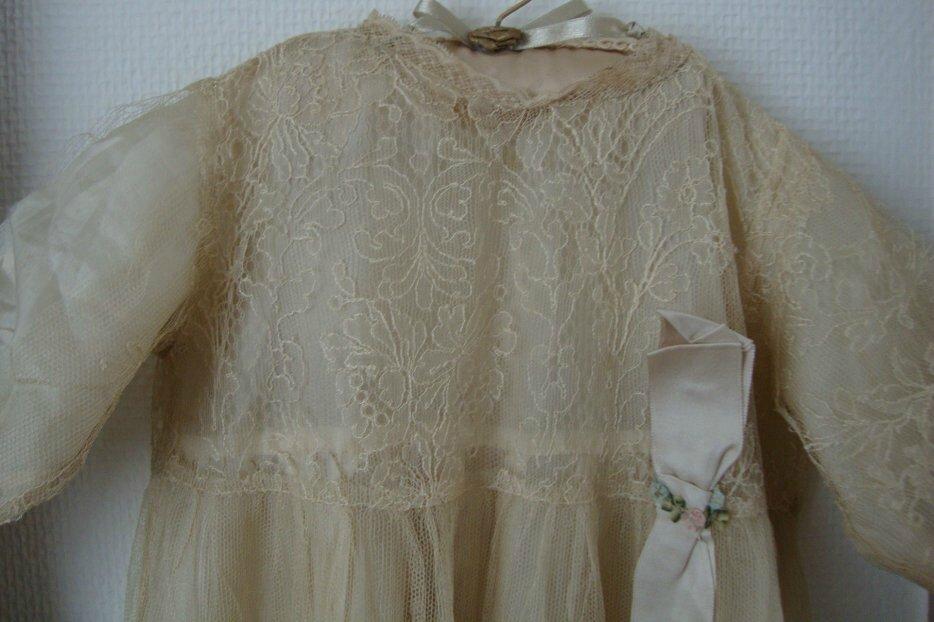 cette robe de bapt me en dentelle de soie et celle de ma maman elle a t faite dans la robe de. Black Bedroom Furniture Sets. Home Design Ideas