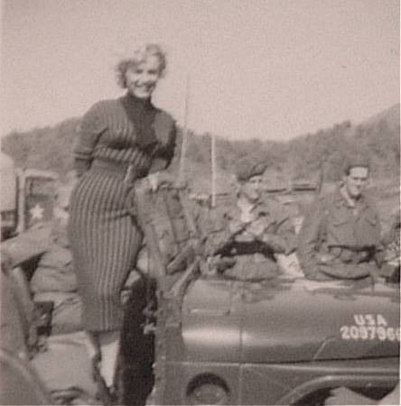 1954-02-18-korea-2nd_division-wool_dress-030-1