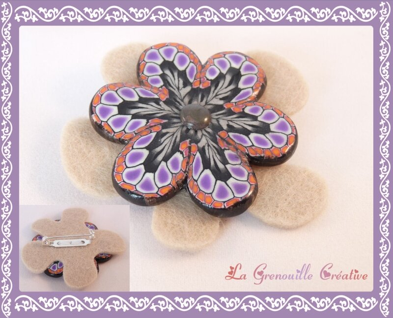 Broche Brown flower