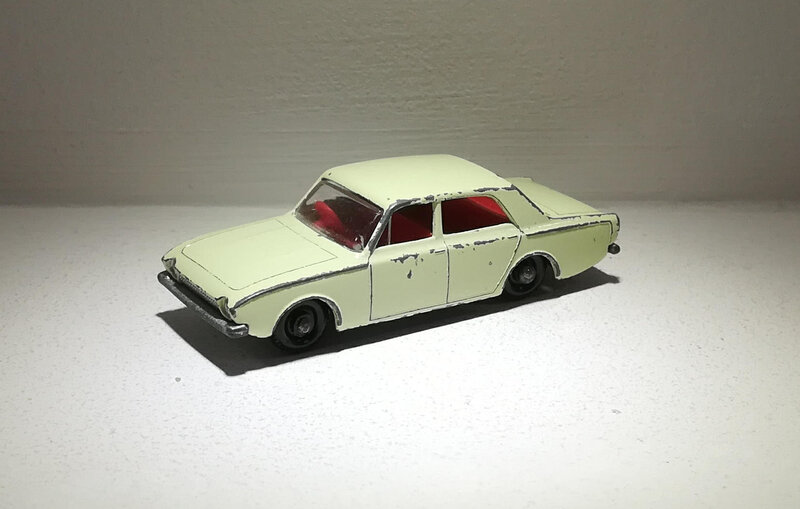 Ford Corsair (Matchbox) 01